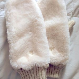 New American Eagle white cozy flip mittens
